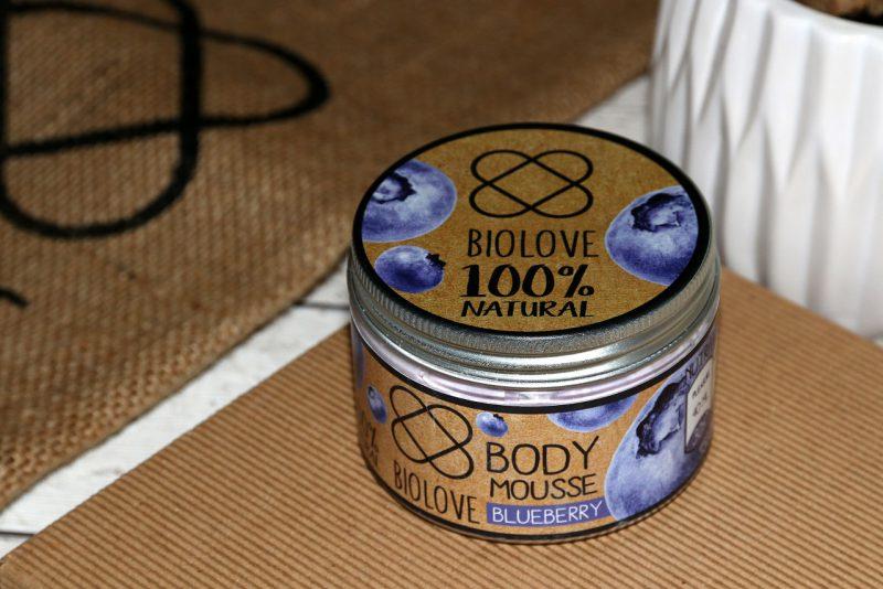 mus do ciała Biolove o zapachu borówki