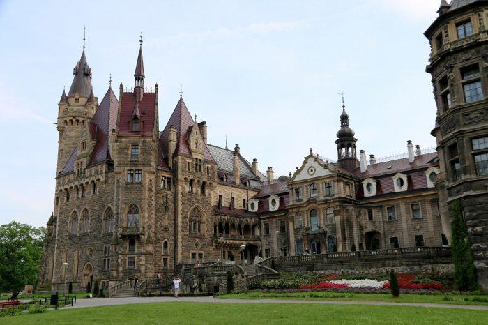Zamek Moszna wschodnie skrzydło