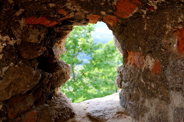 Chojnik - zamkowe okienko