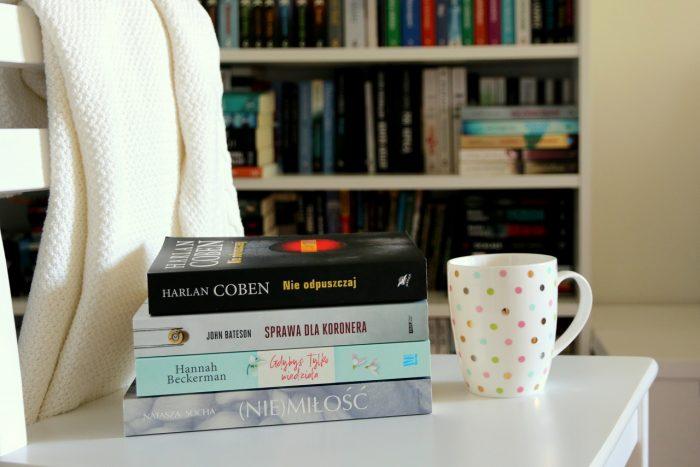 marcowy stosik przeczytanych książek