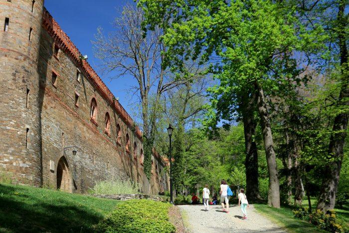 Obecne wejście dopałacu