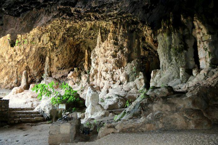 Kreta, wnętrze jaskini Agia Sofia