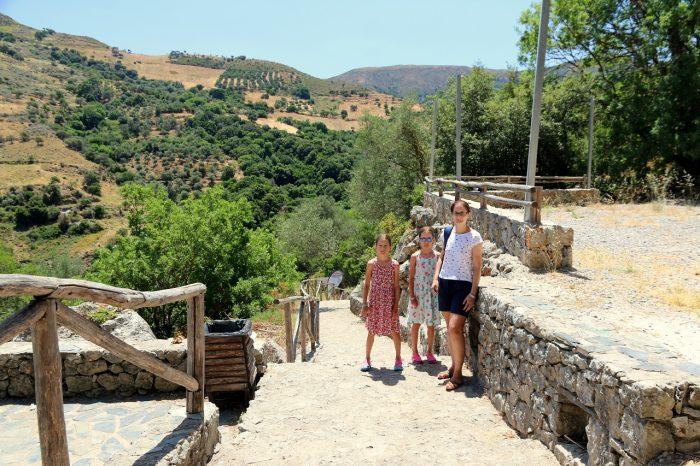 Kreta, podejście dojaskini Agia Sofia