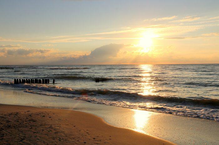Gąski - zachód słońca nadmorzem